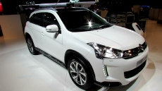 2013 Citroen C4 AirCross at 2012 Paris Auto Show