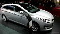2013 Hyundai i40 Sport Wagon Diesel at 2012 Paris Auto Show