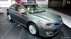 2013 Toyota Avalon Hybrid Limited at 2013 Detroit Auto Show
