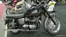 2013 Triumph Bonneville T100 at 2013 Montreal Motorcycle Show