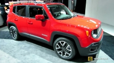 2015 Jeep Renegade Latitude at 2014 New York Auto Show