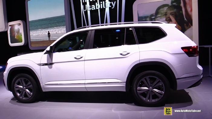 2018 Volkswagen Atlas R-Line at 2017 Detroit Auto Show